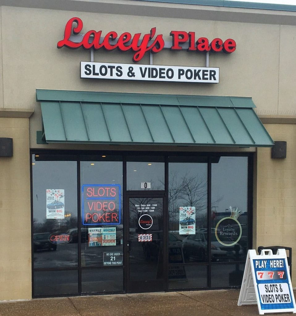 Lacey's Place – Kankakee