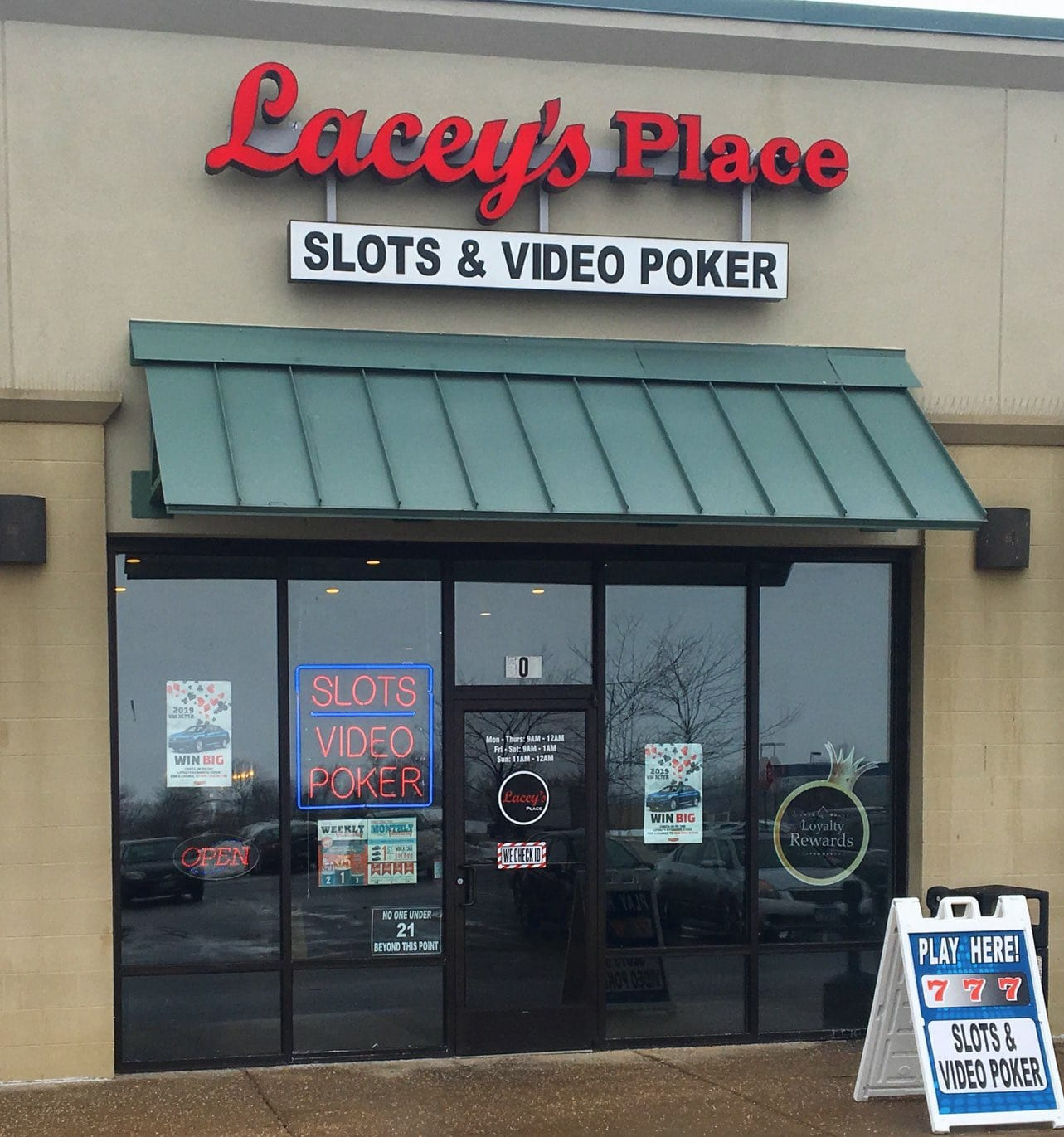 Lacey's Place - Kankakee