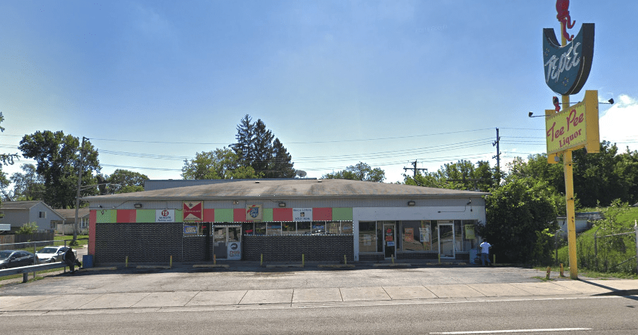 TeePee Liquors & Food Mart	- North Chicago
